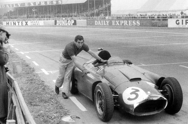 Alfonso de Portago alfineta a Ferrari por lhe ter tirado a possibilidade de um bom resultado em Silverstone